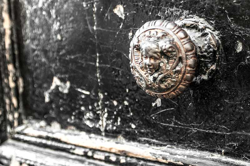 france_door-knob-1_loxley-browne-photography