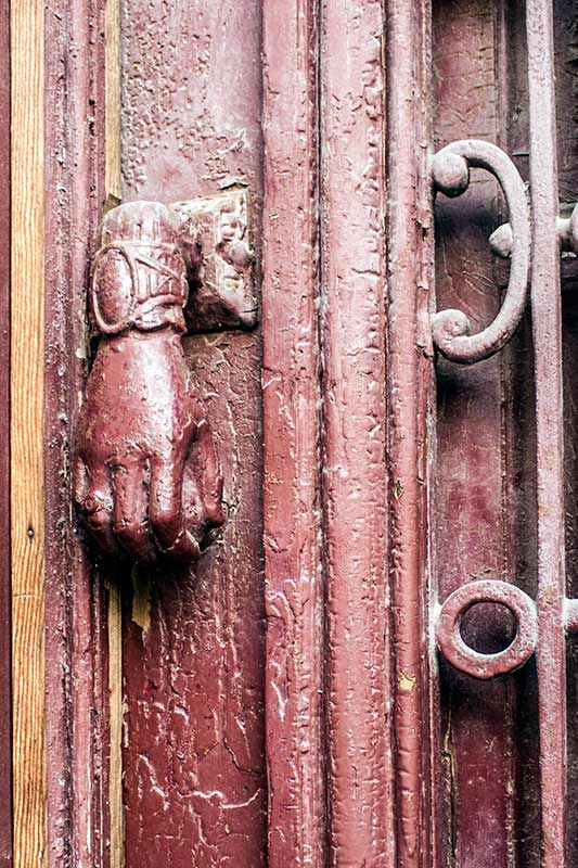 france_door-knocker-3_loxley-browne-photography
