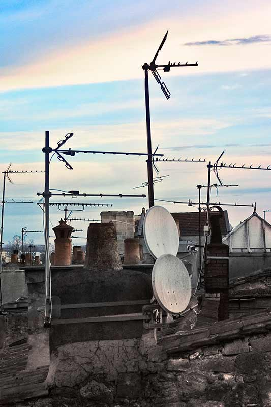 france_rooftop-antennae-b_-loxley-browne-photography_2024