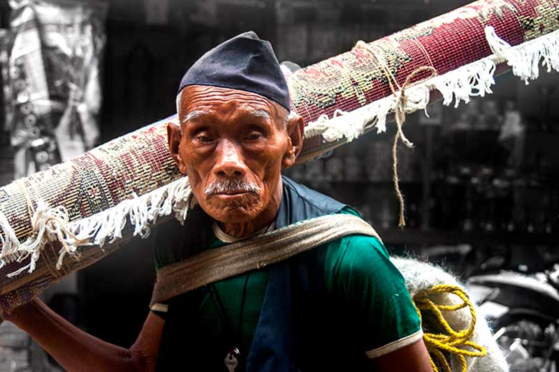 nepal_potraits_indian-rug-salesman_loxley-browne-photography