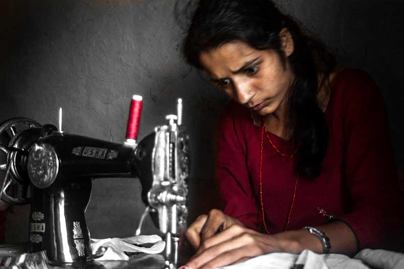 nepal_potraits_seamstress_loxley-browne-photography